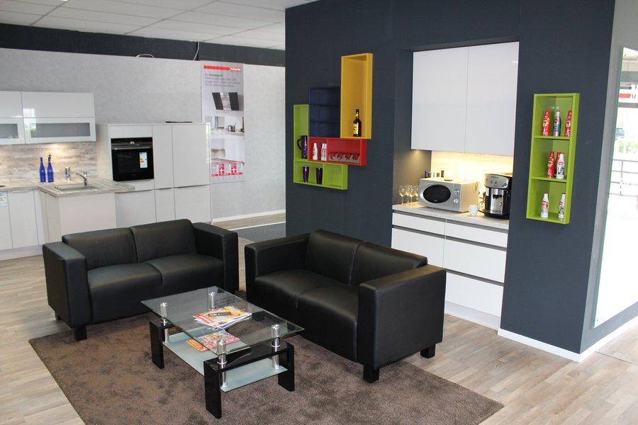 Besuchen Sie Uns In Unserem Küchenstudio Und Besichtigten Sie Unsere 300qm²  Große Küchenausstellung In Eschweiler.
